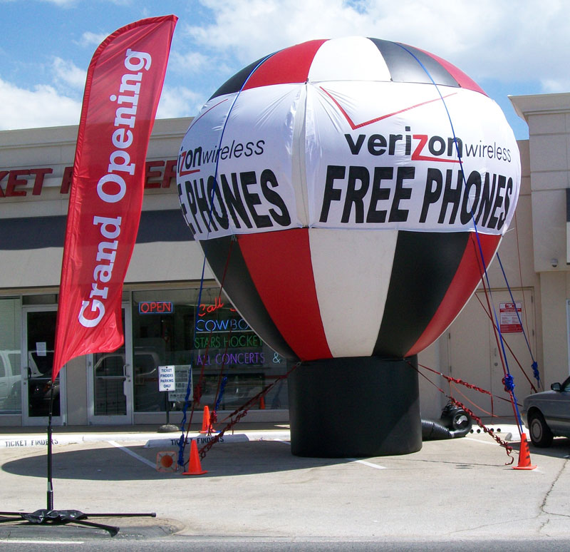 advertising-balloon-and-feather-flag-San-Antonio